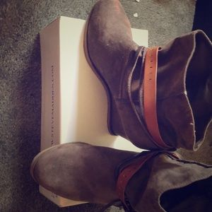 Like new suede brown ankle booties
